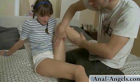 熱い女の子は椅子に座って、男は彼女の甘いの肛門の穴を見ているので、彼女は本当に彼から粒状のコックを取得したいと彼は彼女のためにそれを アダルト 動画 女の子 向け