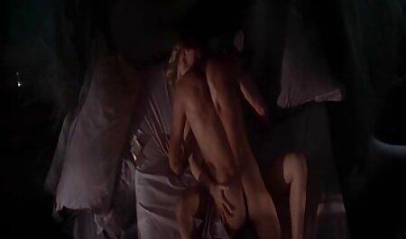 Puzanはセックスをするために若いワイプする傾向がありますが、彼女は赤にお尻に鞭で彼をホイップする前に アダルト 動画 女性 向き